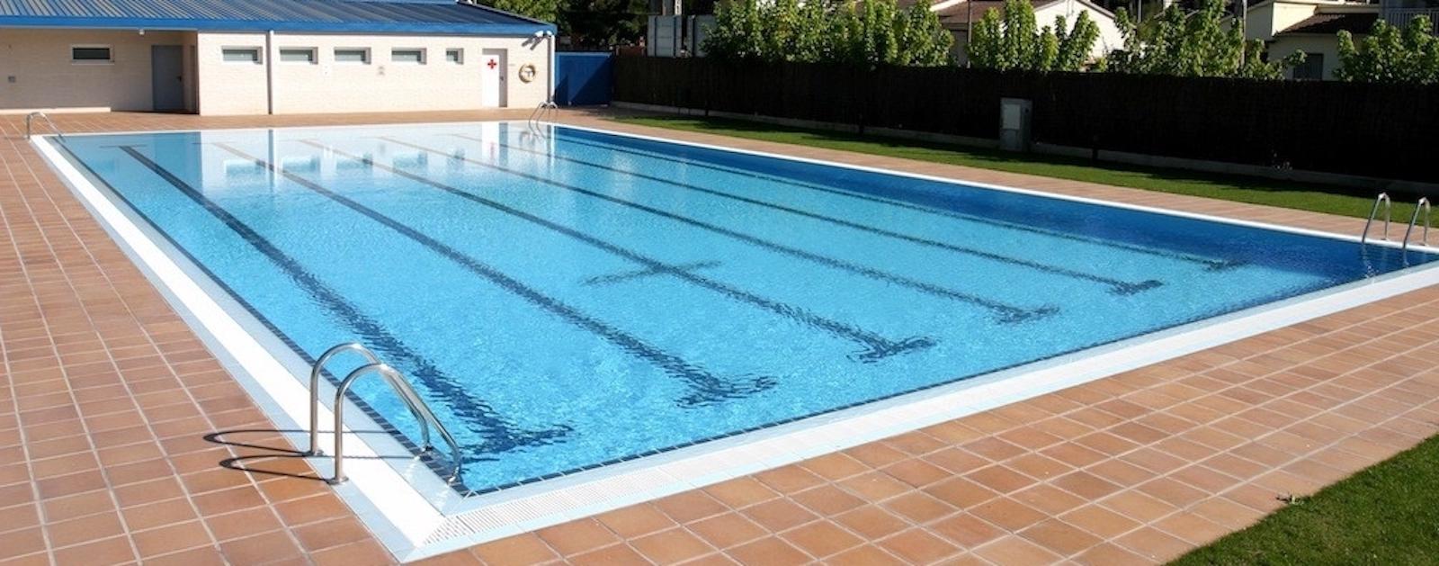 Reixa perimetral AstralPool per a piscina desbordant